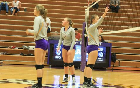 Volleyball looks to end season strong
