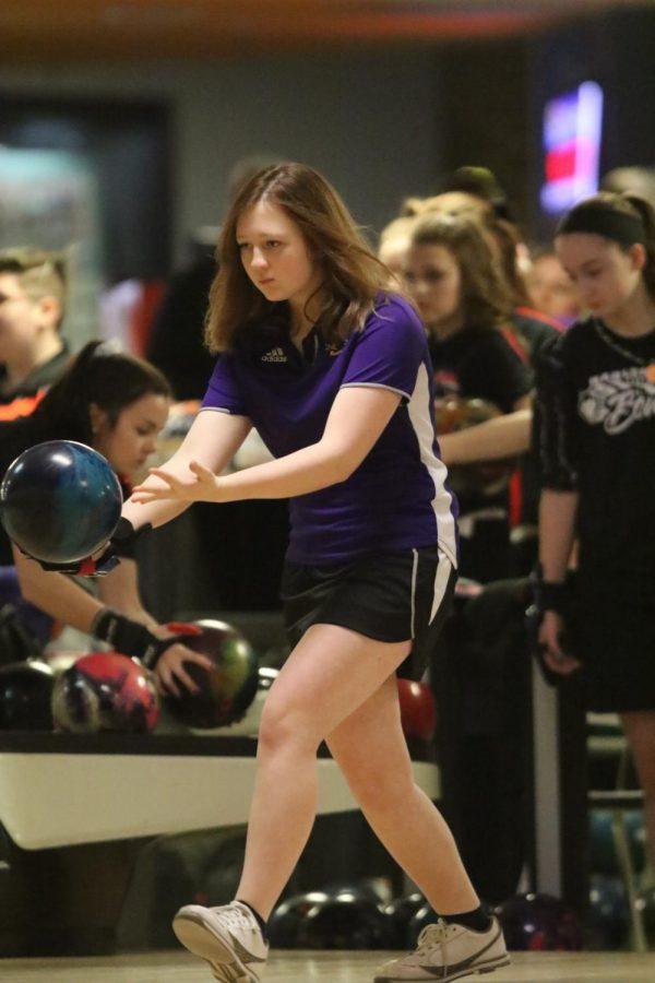 Lady Bucs Bowling starts the season off strong