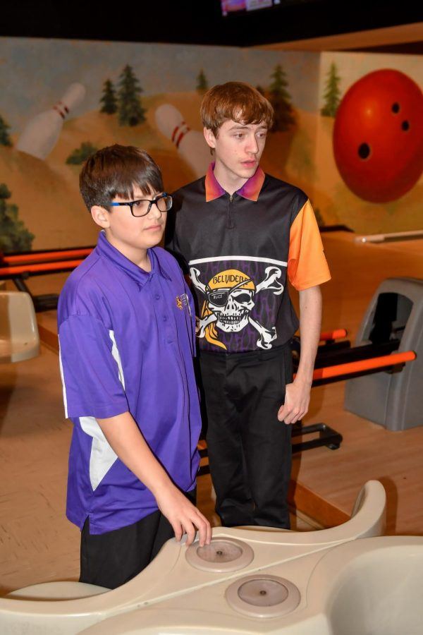 Boys Bowling Strikes Regionals
