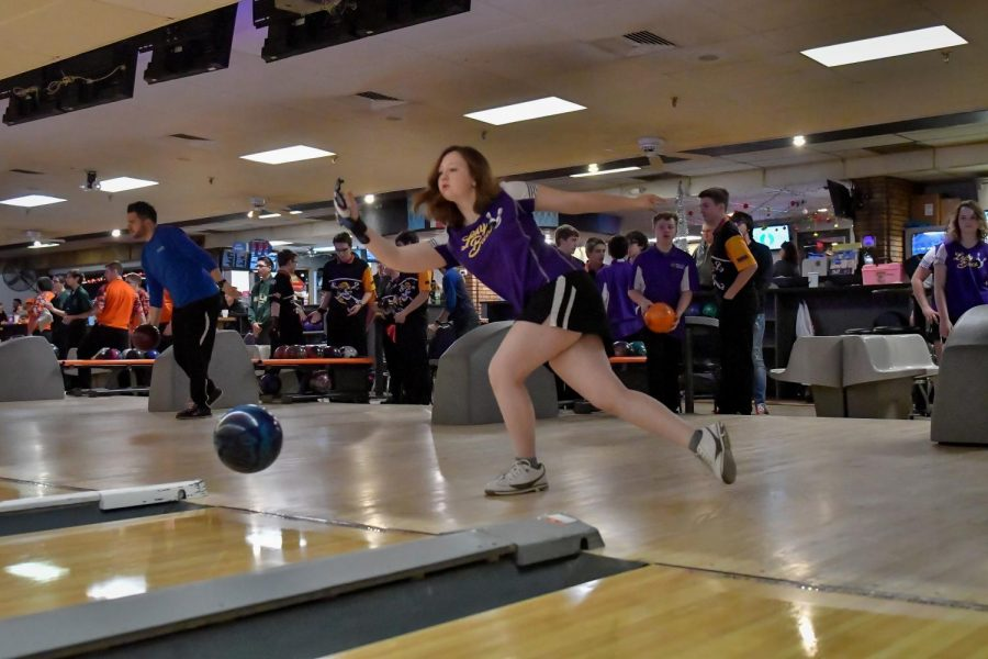 Lady Bowlers roll on in conference