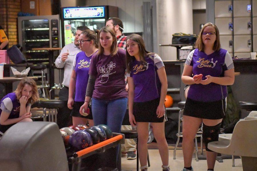 Girls+Bowling+Wins+Regionals