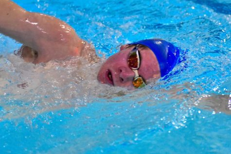 Golonka breaks record, team stands in second in NIC-10