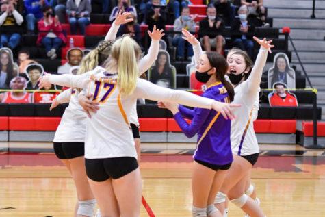 Girls Volleyball Team Fights through The Week